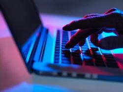Новый вирус атакует iOS-устройства через компьютеры на базе OS X