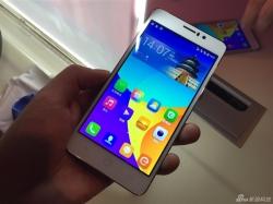 Толщина смартфона Coolpad ivvi K1 составляет 5,9 мм, а масса равна 110 г