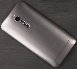 Участнику форума XDA удалось установить на смартфон Asus ZenFone 2 настольную ОС Windows 7