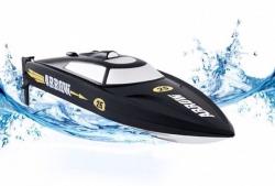 Игрушечный катер со скоростью моторной лодки