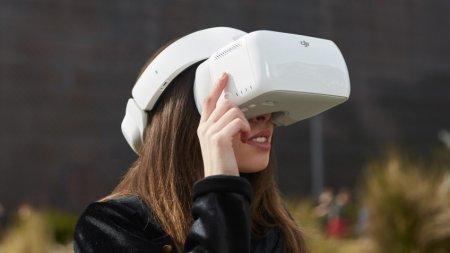 Гарнитура DJI Goggles позволяет транслировать изображение с камеры дрона
