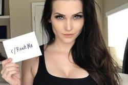 Звезда Instagram предложила троллям «прожарить» ее и пожалела об этом