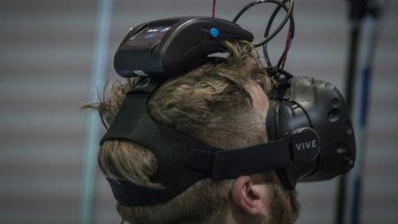 Intel и HTC показали беспроводную версию VR-шлема Vive