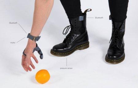 Дизайнер разработала протез шестого пальца