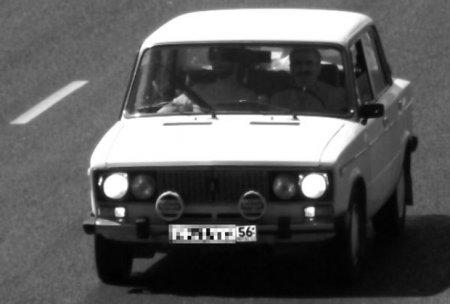 На снимке с дорожной камеры разглядели Иисуса и Сталина в «Жигулях»