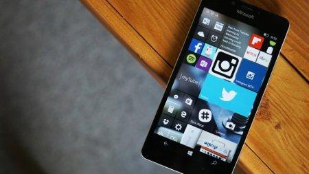 Microsoft окончательно попрощалась с Windows 10 Mobile