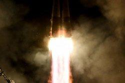 Посольство России в Британии предложило журналисту слетать в космос на iPhone