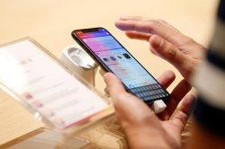 Блогерам запретили зарабатывать на iPhone X