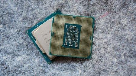 Intel советует клиентам не использовать её сбойную заплатку против Spectre