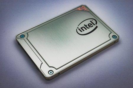 Владельцы SSD от Intel сообщают о серьезных проблемах из-за апрельского обновления Windows 10