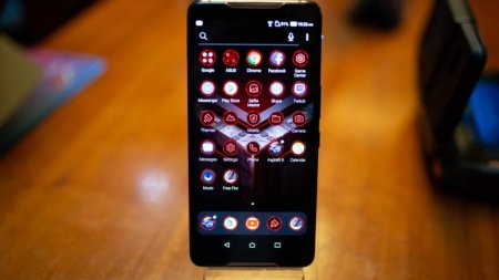 ROG Phone — ASUS показала телефон для настоящих геймеров