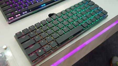Cooler Master показала низкопрофильную механическую клавиатуру