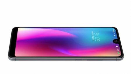 Смартфон BQ Universe получит экран как у Essential Phone