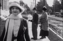 Чарли Чаплин оказался создателем популярного мема «неверный парень»