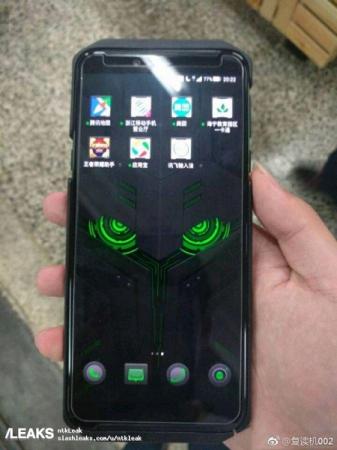 Опубликованы новые фото игрового смартфона Xiaomi Black Shark 2