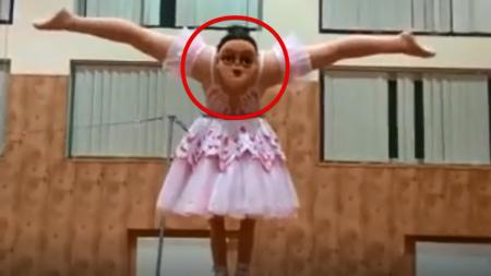 Балерина с двумя головами вселила ужас в зрителей