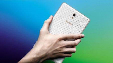 Планшет SM-T515 с Android 9 Pie появился в Geekbench