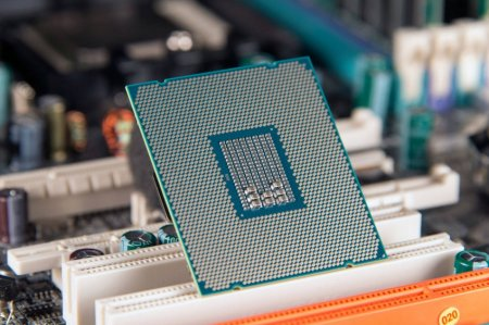 Восьмиядерный процессор Intel Core i9-9900T получит теплопакет в 35 Вт