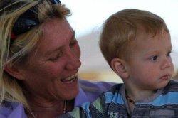Мать рассказала о грудном вскармливании семилетнего сына и подверглась травле