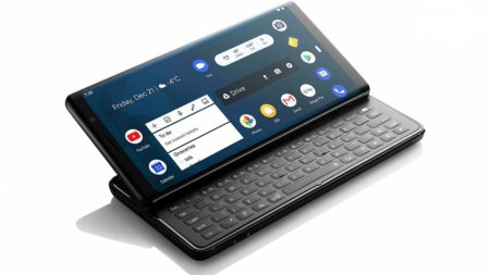 Боковой смартфон-слайдер с QWERTY-клавиатурой показали на MWC 2019