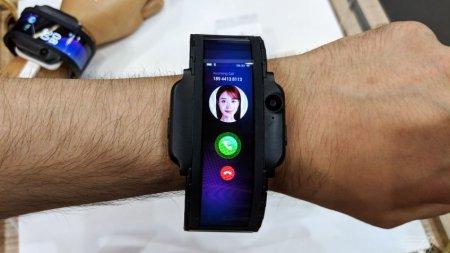 Cмартфон-браслет Nubia Alpha представлен официально