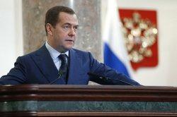 Медведев исключил «китайский сценарий» в российском интернете