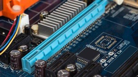 Процессоры AMD Ryzen 3000 не будут поддерживать PCI-E 4.0 на старых платах