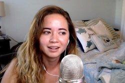 Фанат в тайне от блогерши делал странные видео с ней и напугал кумира