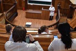 Школьные учителя поделились непристойными историями из своей практики
