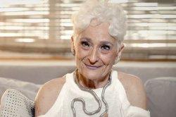 «Tinder-бабушка» устала от партнеров на одну ночь и вышла на поиски любви