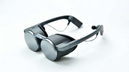 Panasonic представила VR-очки с HDR и разрешением UHD
