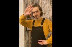 Подавший жалобу на российского комика мужчина «пригрозил» испражниться на могилы