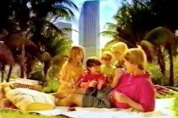 Реклама 90-х заставила россиян затосковать по слабоумию и прослезиться