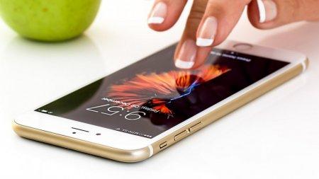 Теперь смартфоны Apple официально можно протирать влажными салфетками