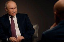 Путин отчитал журналиста за неуместный кашель во время интервью