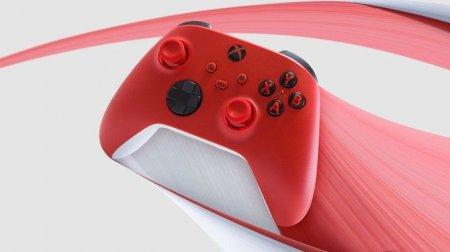Microsoft анонсировала красные геймпады для Xbox и PC
