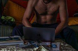Женщина бросила возлюбленного из-за вранья о порно после 13 лет отношений