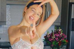 Модель Playboy использовали для масштабного обмана в сети