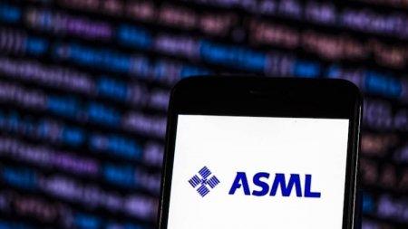 Производитель оборудования для изготовления чипов ASML ожидает стабильный рост спроса на свою продукцию до конца десятилетия